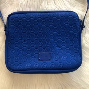 Michael kors ipad bag